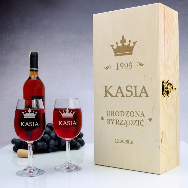 drewniana skrzynka na wino z grawerem