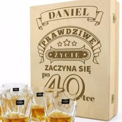 zestaw do whisky z pudełku z grawerem na prezent na urodziny