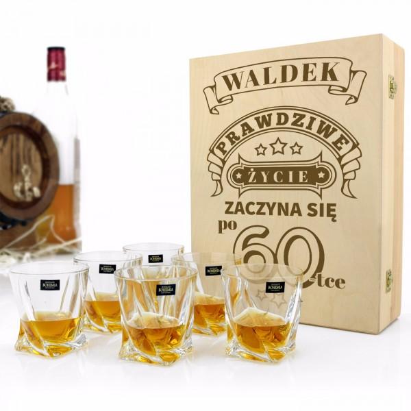 szklanki w pudełku z grawerem na prezent na 60 urodziny